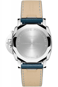 Panerai PAM903 made of stainless steel, sapphire glass, 30 m water resistance
