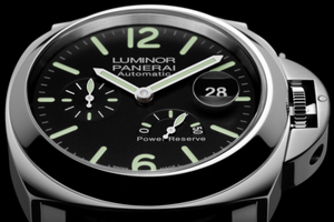Panerai PAM1090 features black dial, date and power reserve indicator display