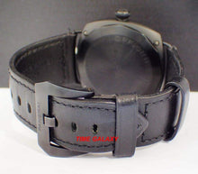 Load image into Gallery viewer, Second hand Pam00292 excellent good condition 98% like new with black leather