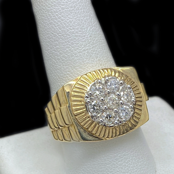 Anillo Estilo Rolex Con Diamantes De Oro 10KT/10KT Gold Rolex Style Ring With 1.15CT Diamonds