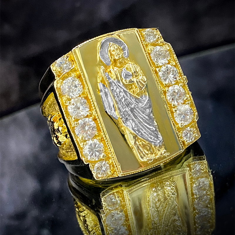 Anillo de Hombre Jumbo de Oro 10KT con San Judas/Men's St. Jude Jumbo Ring with CZ in 10KT Gold