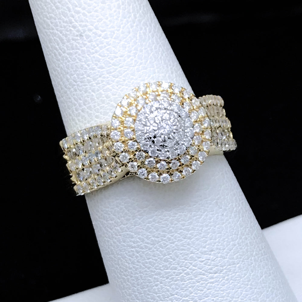 Anillo de Mujer de Oro con Diamantes/Women's Diamond Ring in 10KT Yellow Gold
