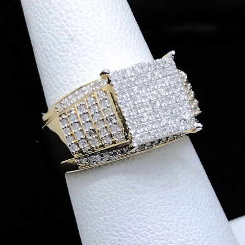 Women's 0.50CTW Diamond Ring in 10KT Yellow Gold