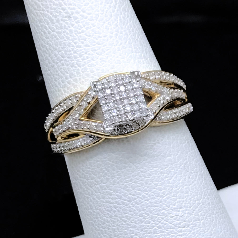 Women's 0.33CTW Diamond Ring in 10KT Yellow Gold