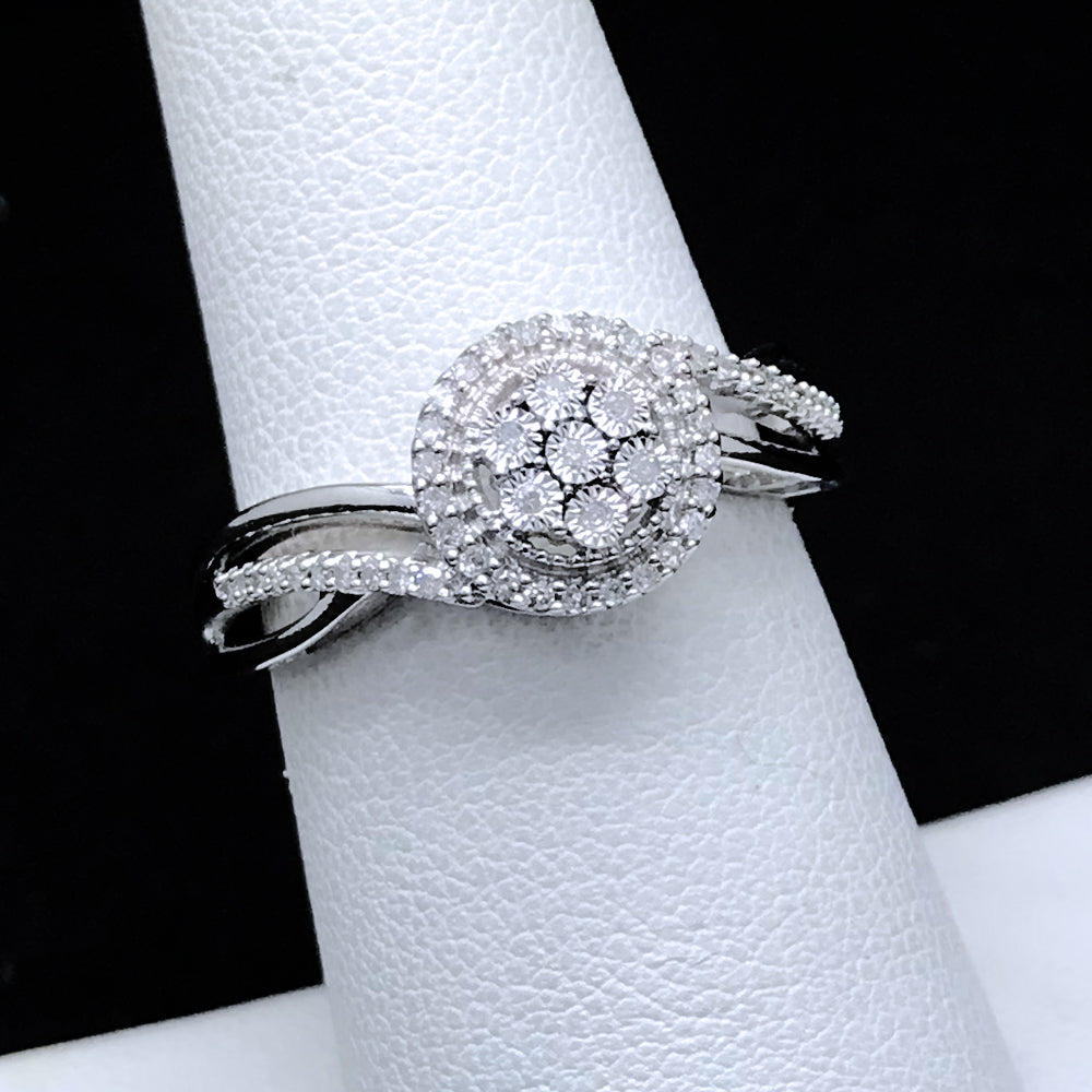 Women's 0.17CTW Diamond Ring in 10KT White Gold
