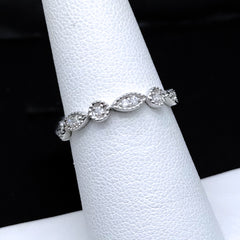 Women's 0.10CTW Diamond Band in 14KT White Gold