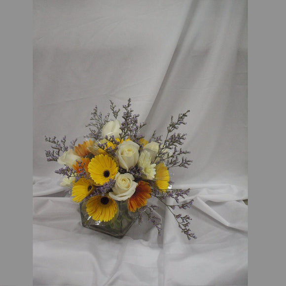 KFA070 | Roses and Gerberas Table Flower