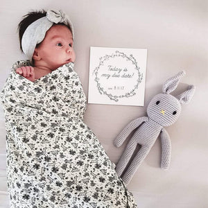 'Elegant Wreath' Premature Baby Milestone Cards