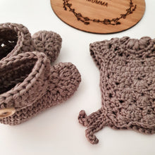 Load image into Gallery viewer, Premature Baby NICU Premmie Baby Bonnet Booties Clothing
