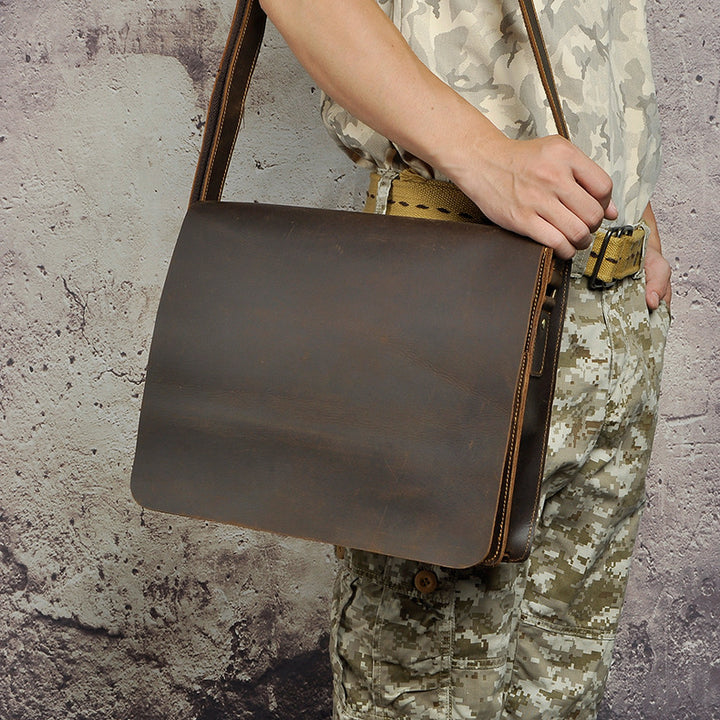 The Ultimate Leather Messenger Bag Buying Guide The Oaken
