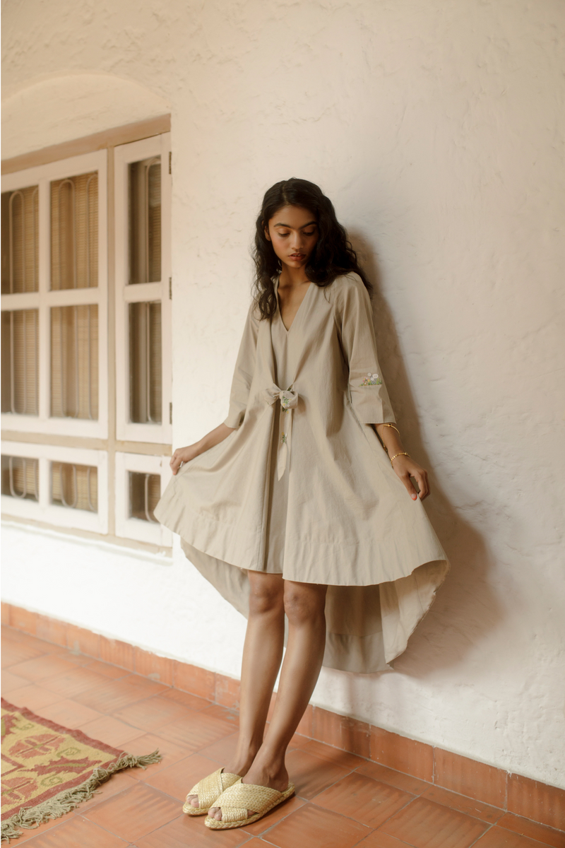 Sui | SEA-SIDE hand-embroidered organic cotton tunic dress from Flow Winter Collection 2019