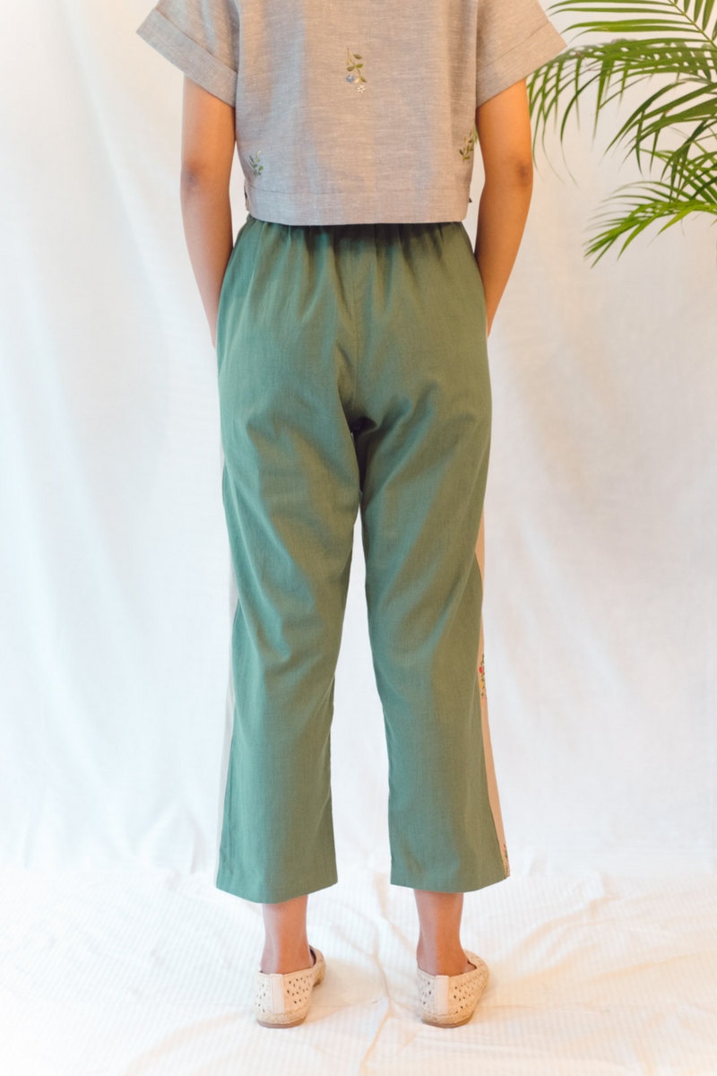 Sui | THE VIBE embroidered, herbal-dyed casual hemp trousers from Flow Winter Collection 2019