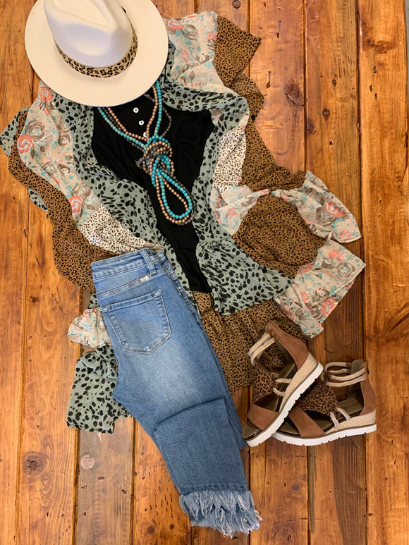 WHIMSICAL FLORAL LEOPARD DUSTER