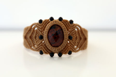 Macramé Bracelet with gemstone