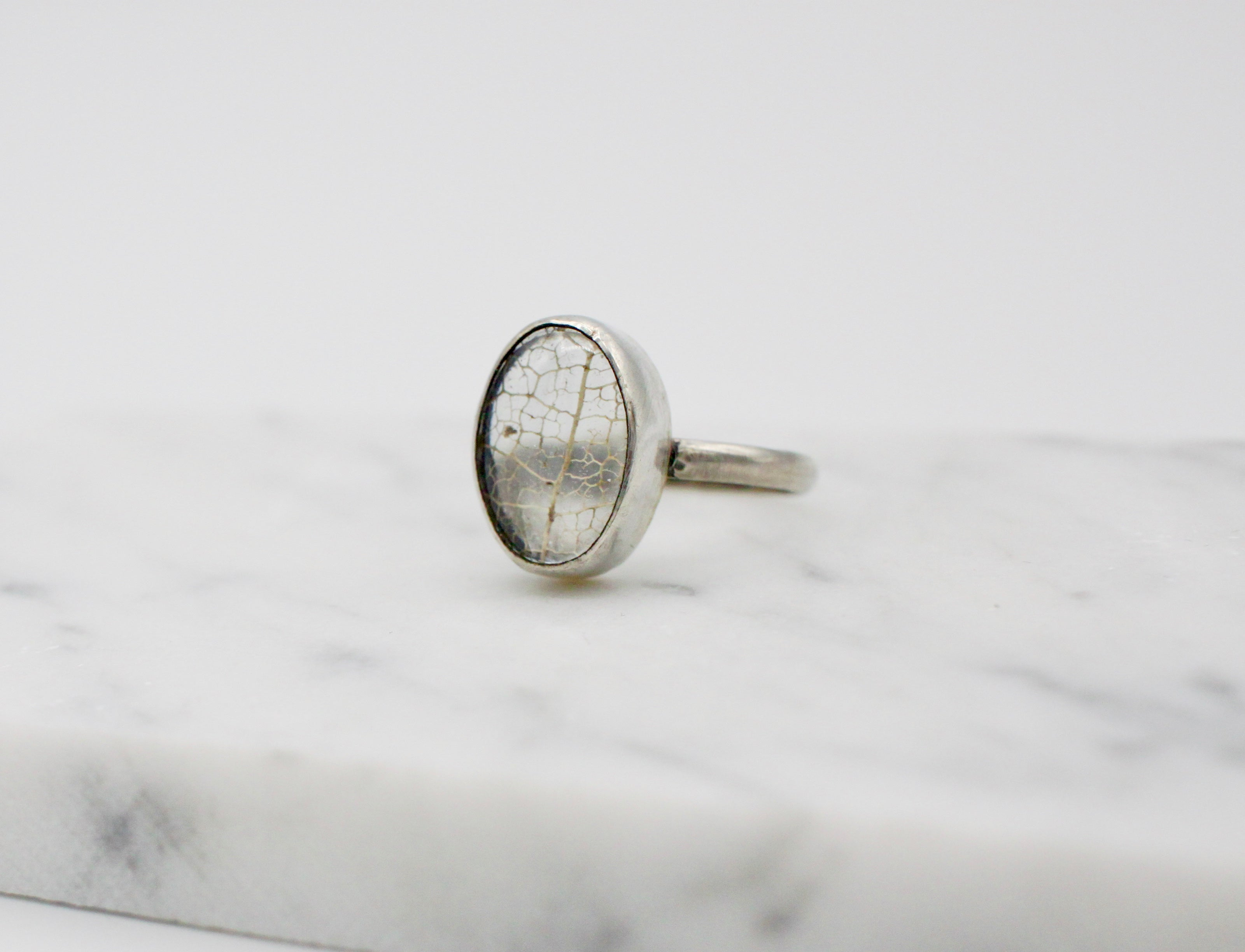 Small Oval Leaf Skeleton Pools of Light Ring - plain - size US 9