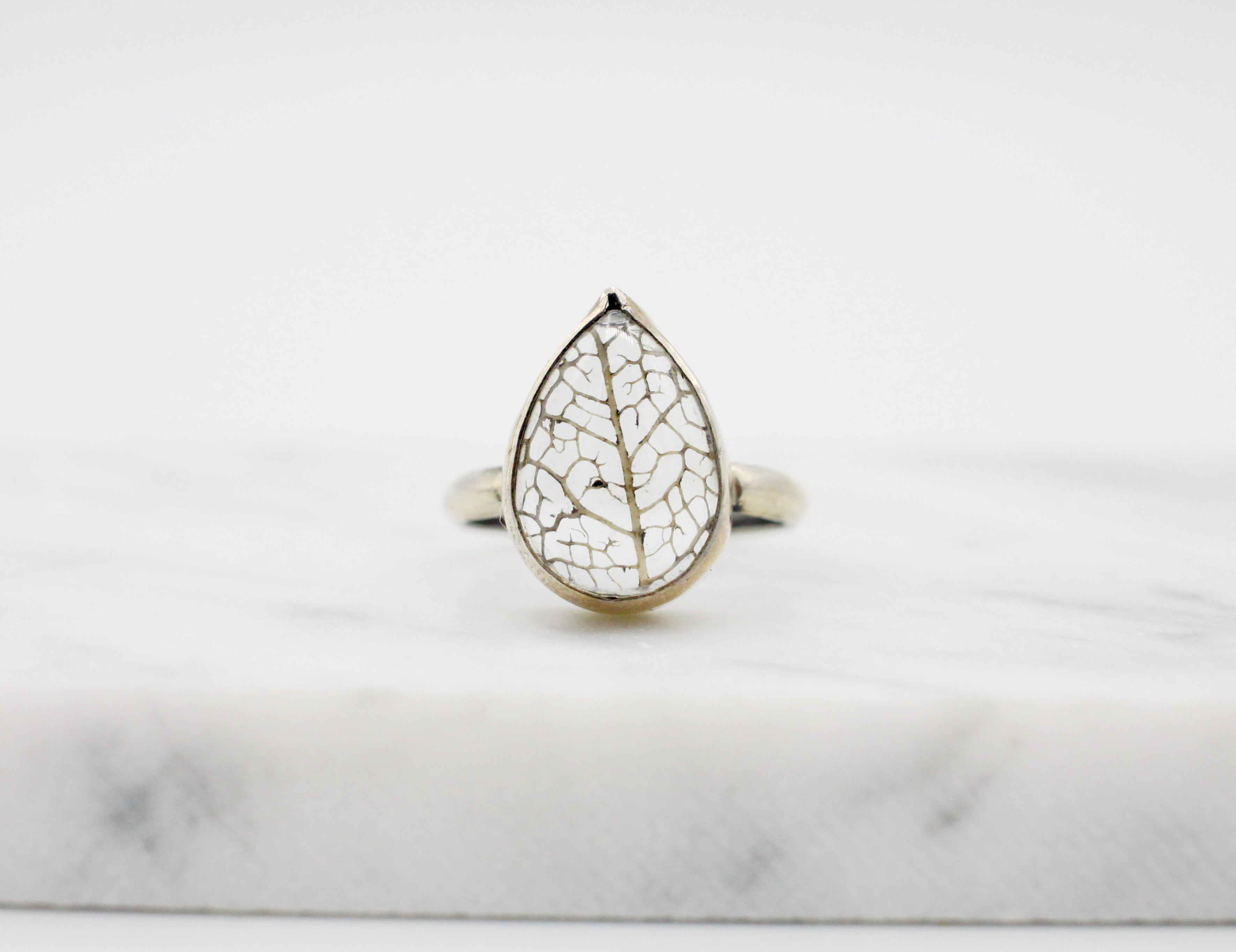 Small Pear Leaf Skeleton Pools of Light Ring - plain - size US 6.25