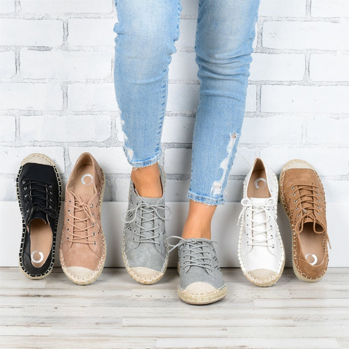Women Daily Comfy Lace-up Perforated Sneakers - zonechics