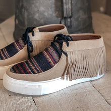 Load image into Gallery viewer, Women's Comfy Serape Suede Tassel Boots