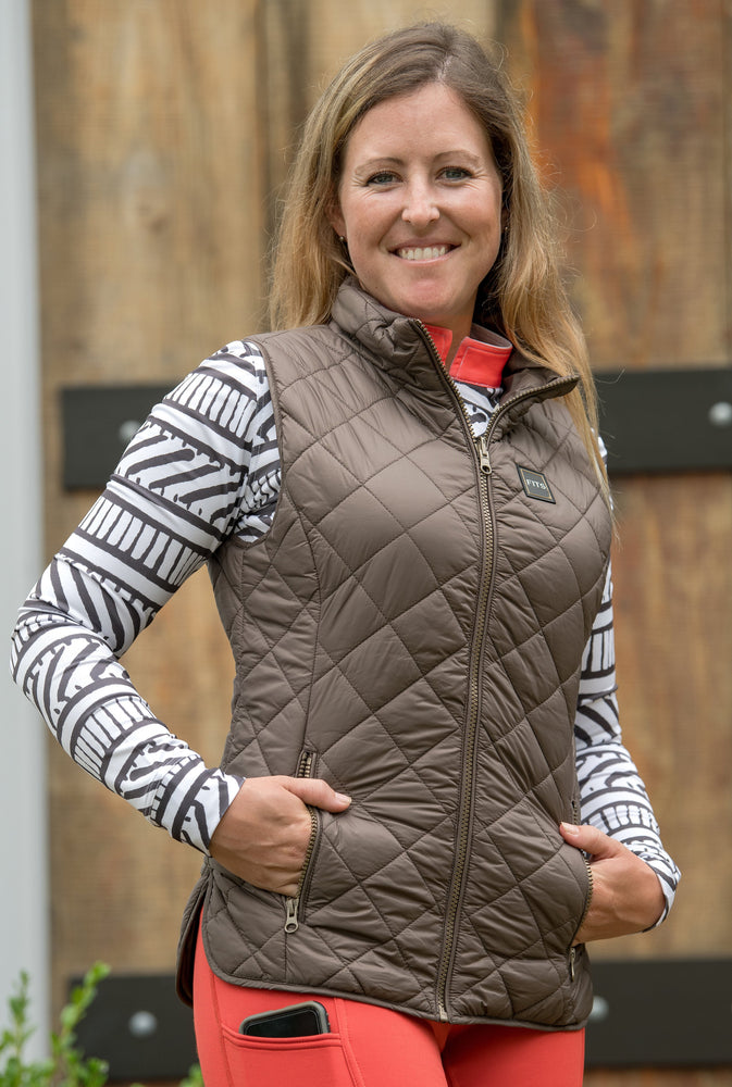 FITS Everly reversible Vest features a beautiful reversible bronze zipper