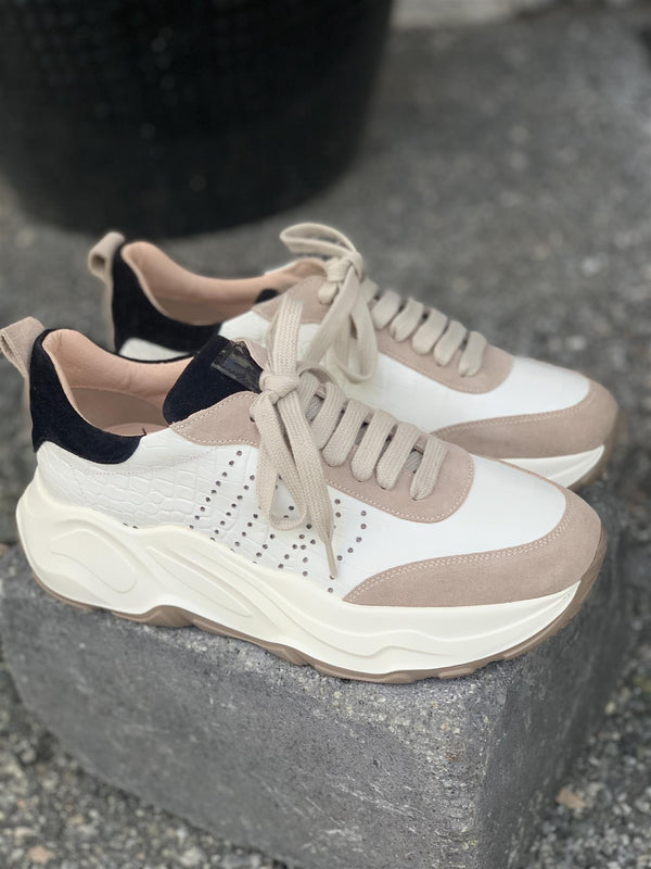 P6581 C SNEAKERS BLACK / WHITE/ BEIGE