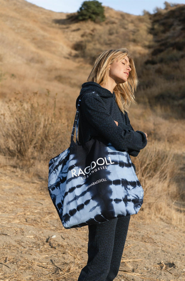 HOLIDAY BAG NAVY TIE DYE
