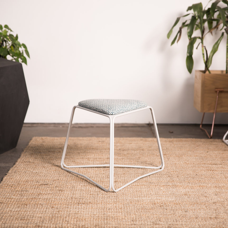 SB480 wide stool - Hunt Furniture
