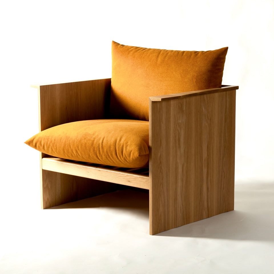 Wing lounge chair - Hunt Furniture