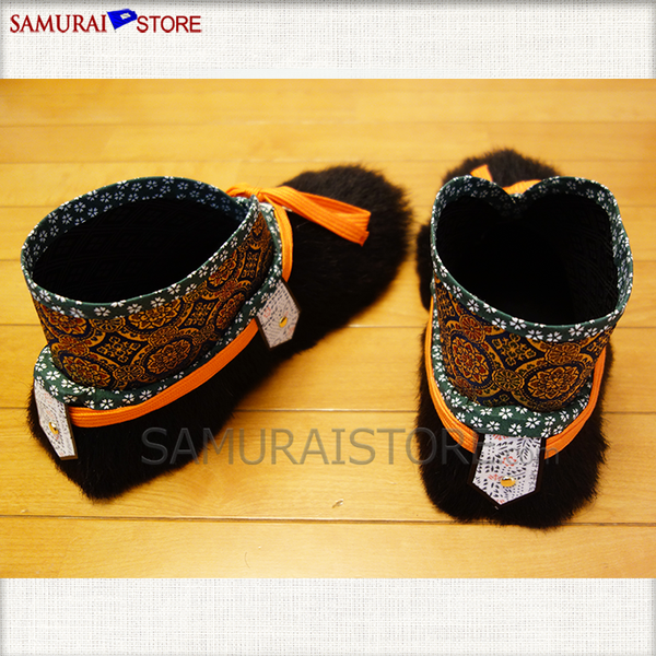 KEGUTSU Fur Shoes (Wearable) - [SAMURAI STORE]