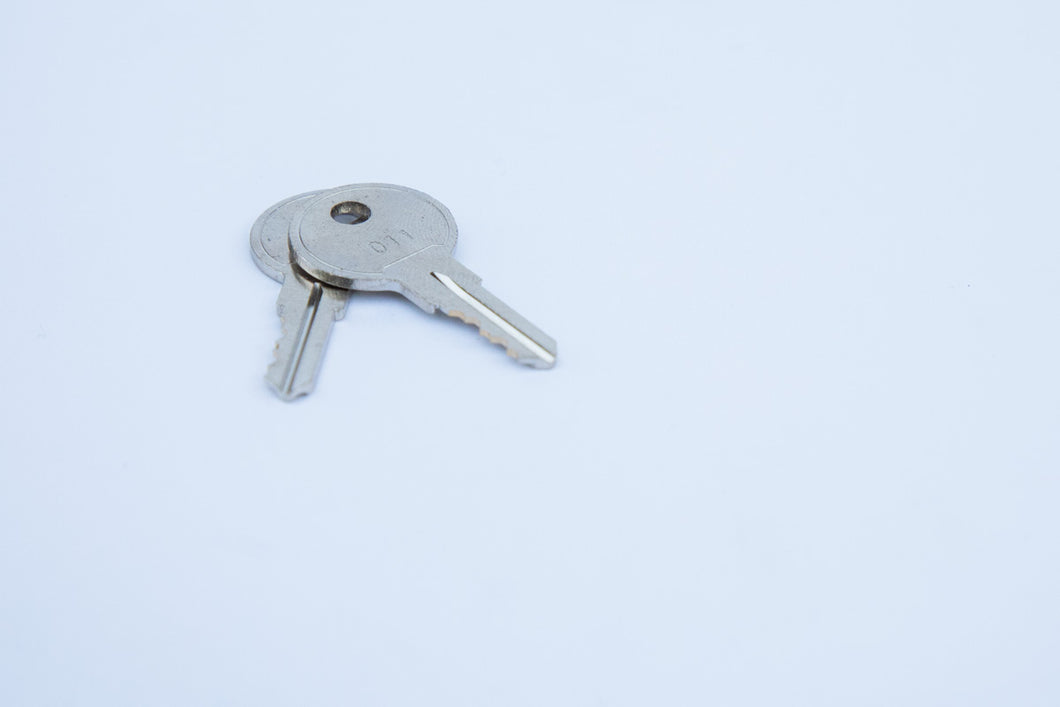 Extra Key to code number for Lid Latch