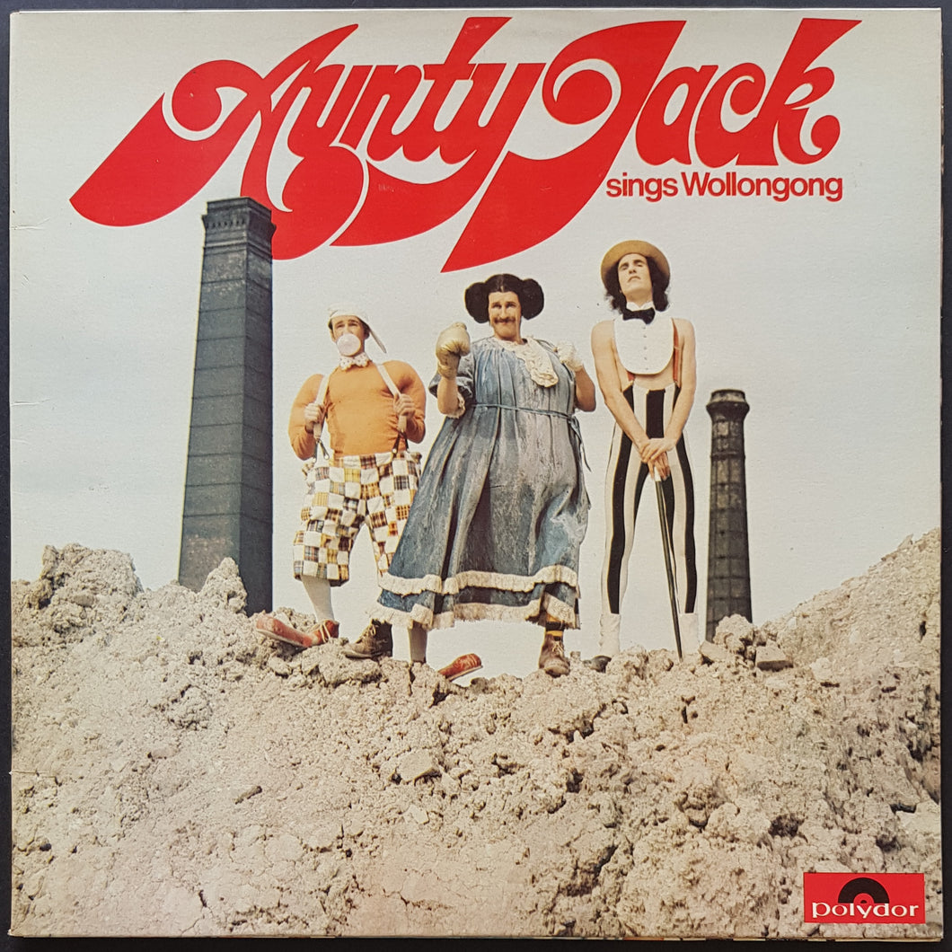 Aunty Jack (Grahame Bond) - Sings Wollongong