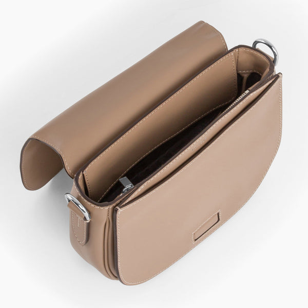 Large Gisèle smooth leather pouch - Le Tanneur