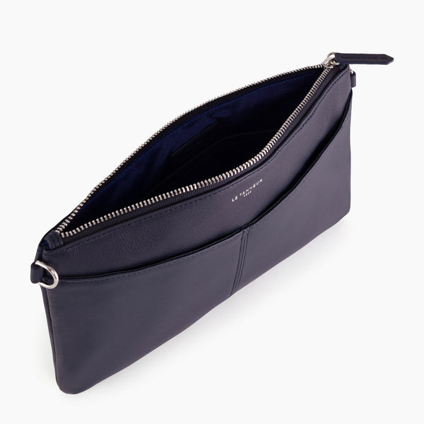 Zipped Charlotte smooth leather pouch with removable strap - Le Tanneur