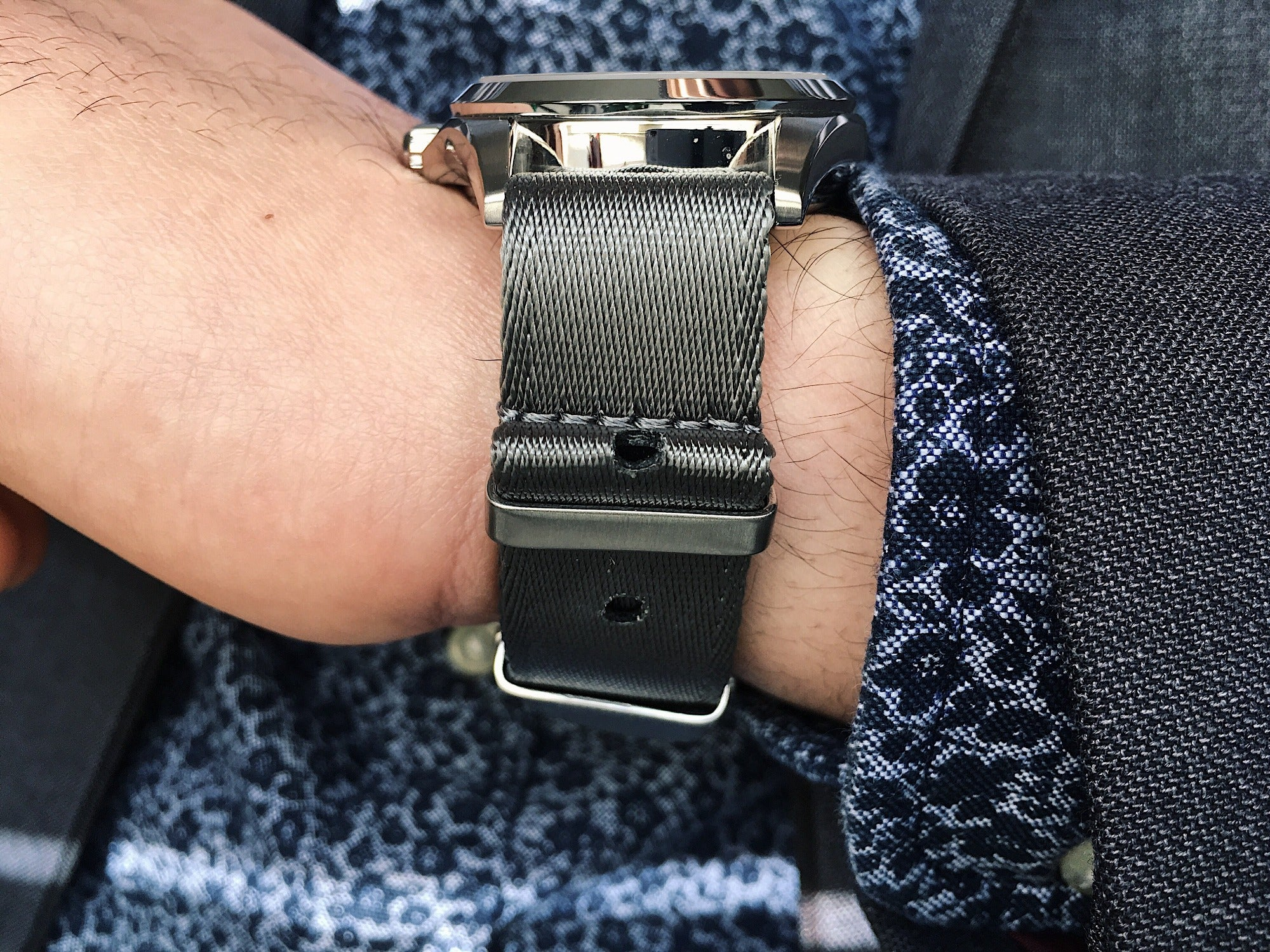 How to wear a NATO Watch Strap / Band by Armilla