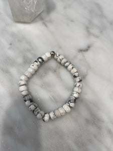 HOWLITE STACKER