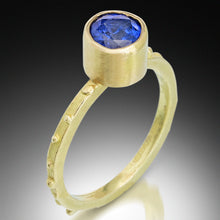 Load image into Gallery viewer, Sri Lanka Blue Sapphire Gold Ring