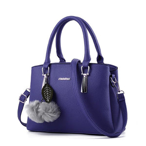 Classic Leather Elegant Venonat Pendant Zipper Handbag