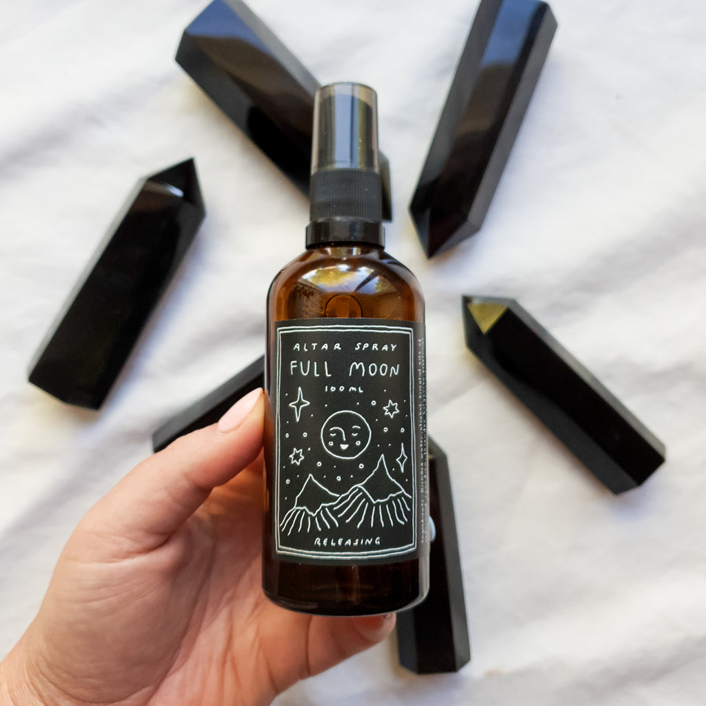 FULL MOON ALTAR SPRAY