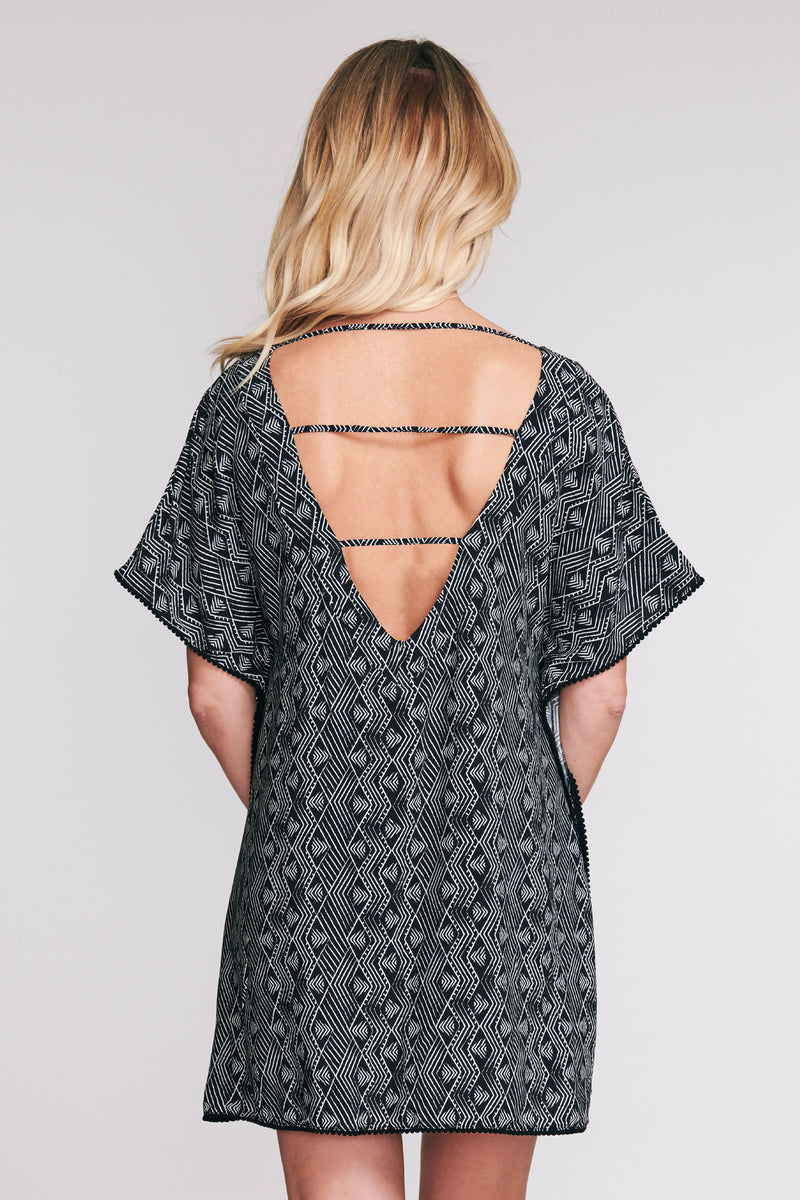 POM POM KAFTAN COVERUP IN DIAMOND BRUSH BY MAZU SWIM