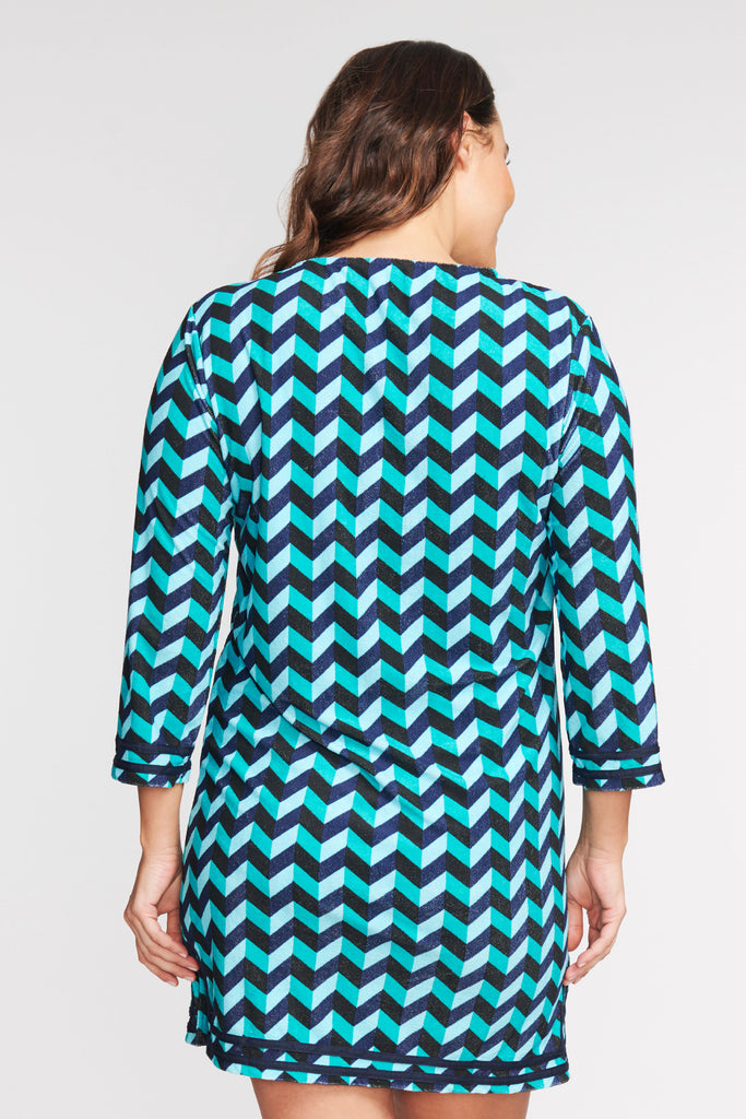 PLUS SIZE 3/4 SLEEVE TERRY CLOTH COVERUP IN SCALLOPED CHEVRON BY MAZU SWIM