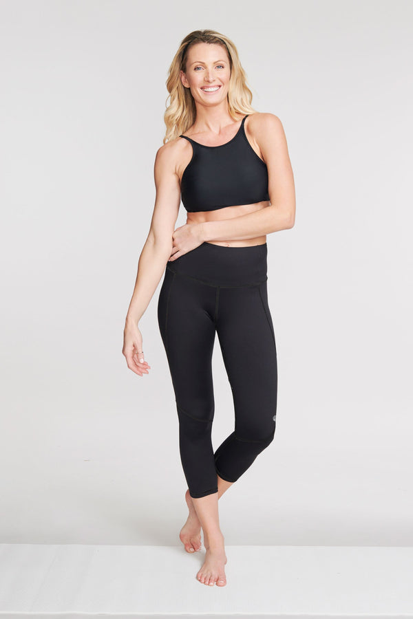 High Waisted Slimming Cropped Legging in Solid Black