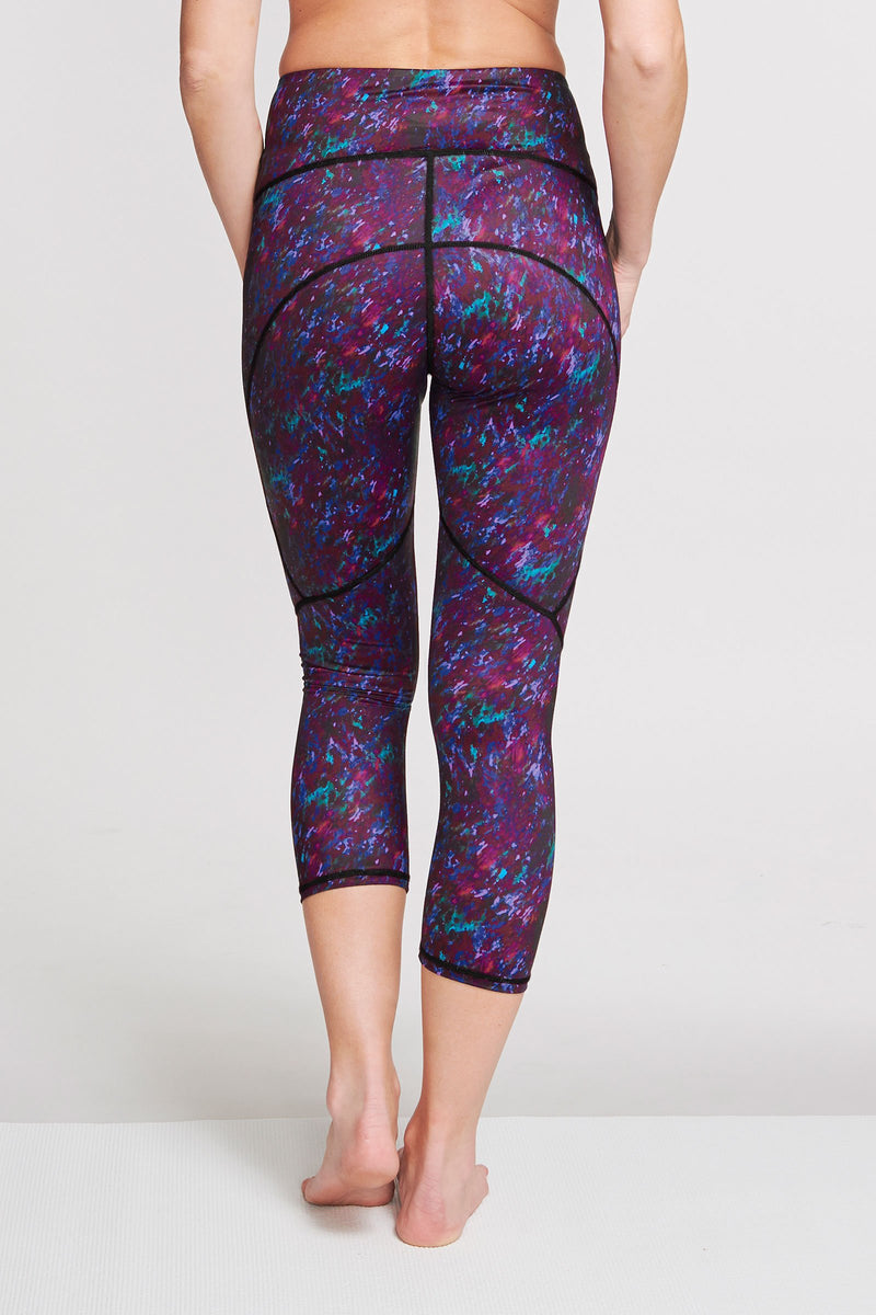 High Waisted Slimming Capri Legging in Moving Waters Berry