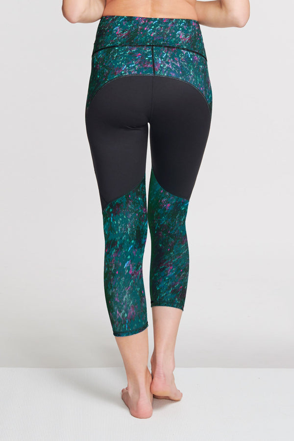 High Waisted Slimming Capri Legging in Moving Waters Green