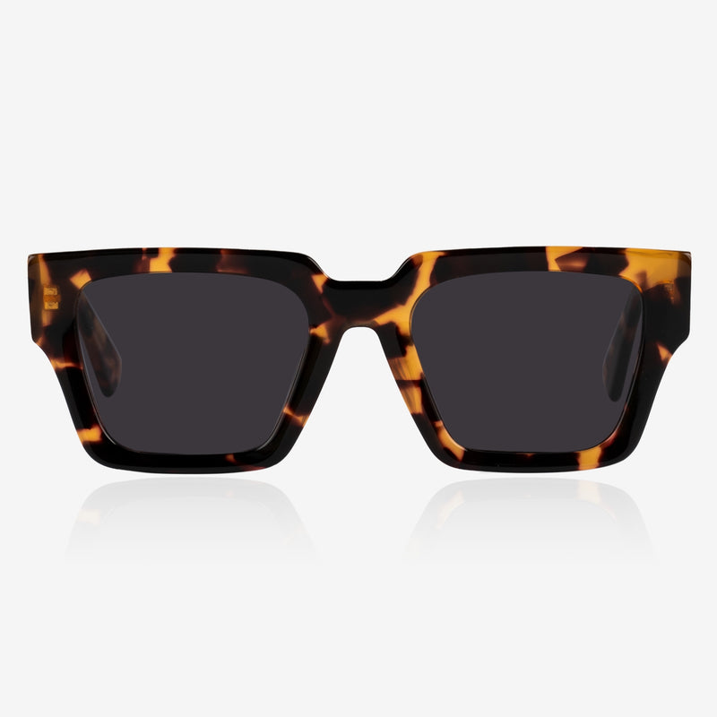 Soho Black model de-sunglasses