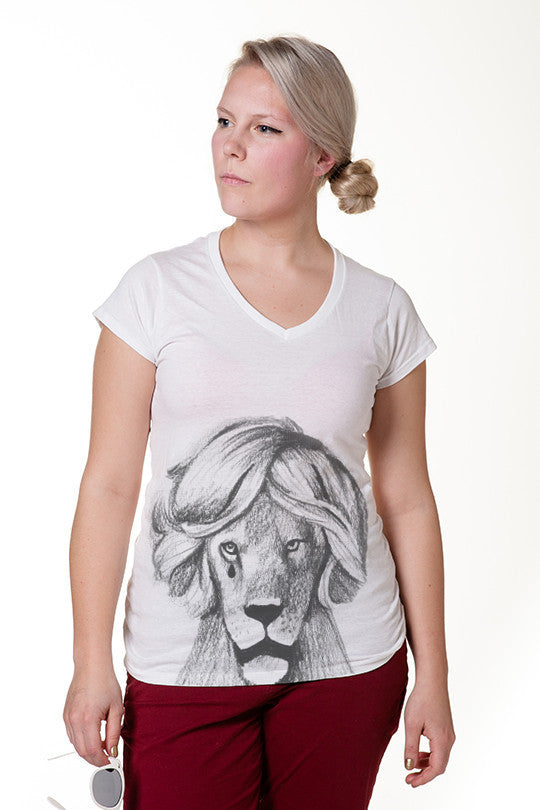 emo-lion-graphic tee women
