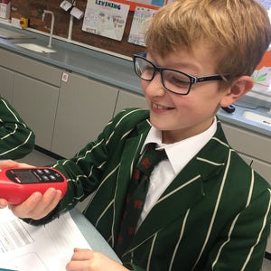 Science learning prompts Year 6 to see the light!