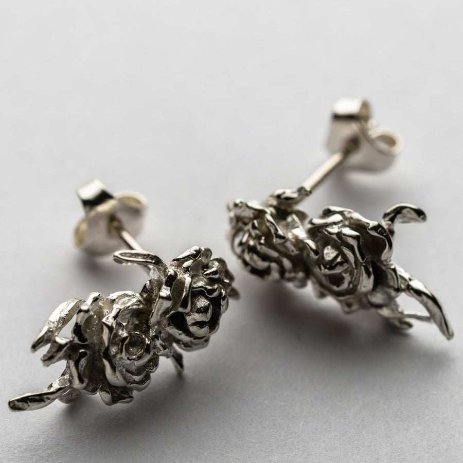 JRRR14 Renaissance Rose Bouquet of Silver Thorned Wild Rose asymmetrical earring studs