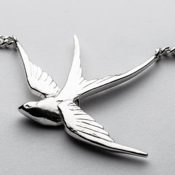 JRSW 01 Classic Large Swallow Necklace