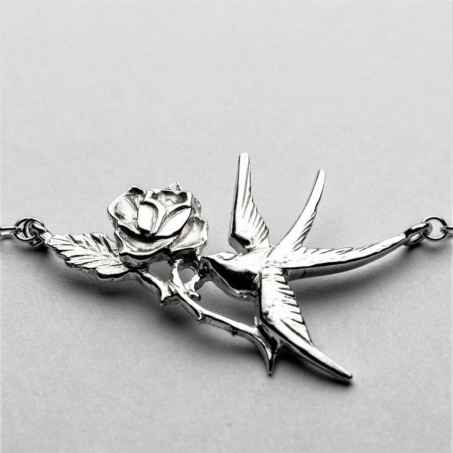 JRSW 06 Classic Small Swallow With Thorn Rose Necklace