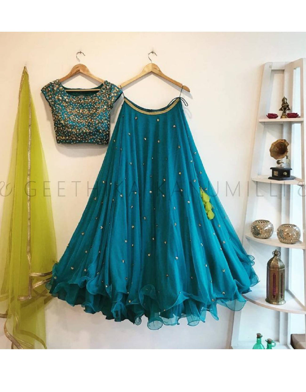 Color Combination With Royal Blue Dress Swisholic In
