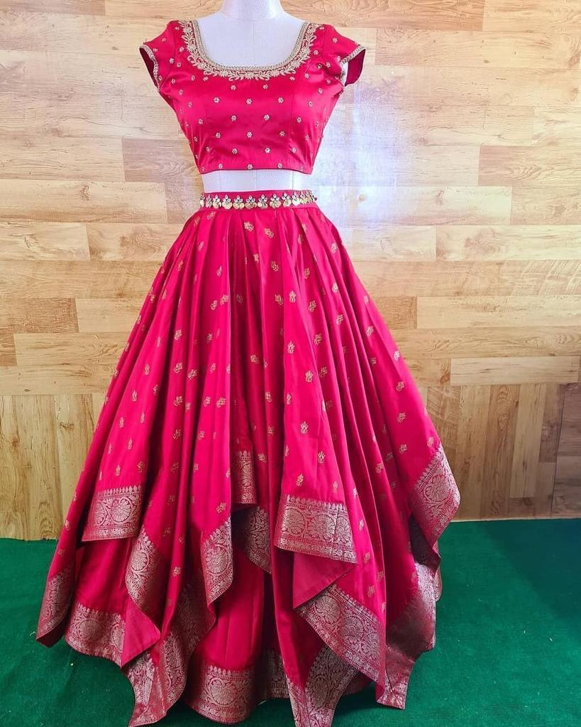 🧚‍♀️💕PRESENTING NEW HEVVY TAFETA SILK LAHENGA CHOLI WITH DAIMOND CUTE LANGHA CHOLI WITH 4 MITTER FLAIR💕🧚‍♀️